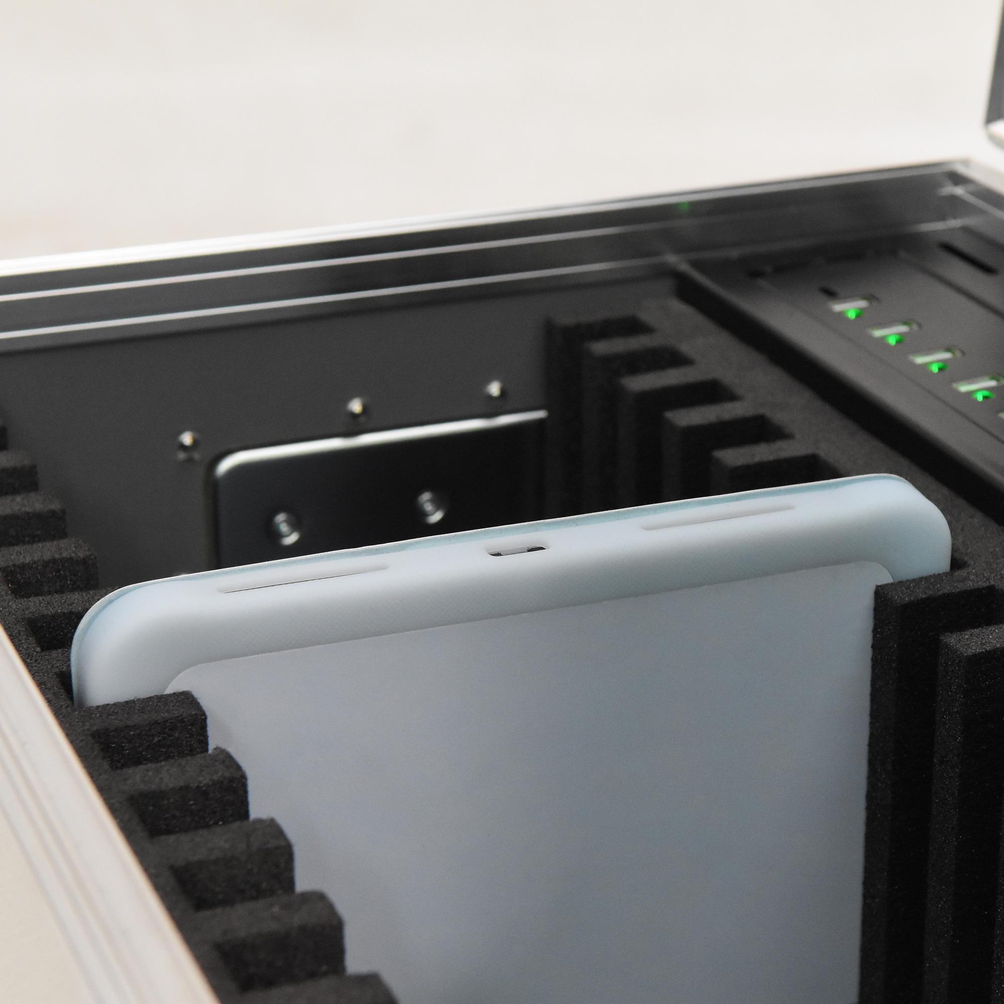Tabletgröße bis Länge 264mm / Breite 188-200mm / Dicke 18mm - für iPad und Tablets im 4/3 Format 14100-S4-3